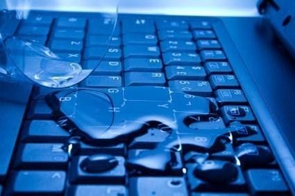 cara mengeringkan laptop terendam air